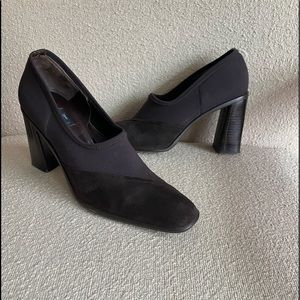 DKNY size 8 brown crepe and suede chunky heels
